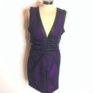 NWT 2B Bebe Belinda deep plunge bodycon dress